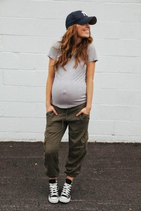 7 τρόποι να φορέσετε τα «κανονικά» ρούχα σας στην εγκυμοσύνη ... e15cc386c94